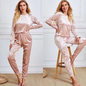 NWT Blush Velvety Pajama/lounge set